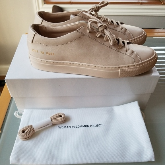 f35a0a797f37 Common Project Achilles Low Nude Sz 8